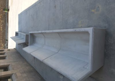 Cattle feed trough with stop ends